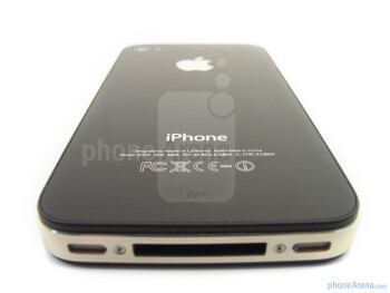 Back - The sides of the Apple iPhone 4 - Apple iPhone 4 Review
