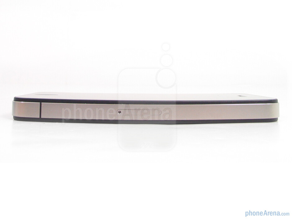 Right - Apple iPhone 4 Review