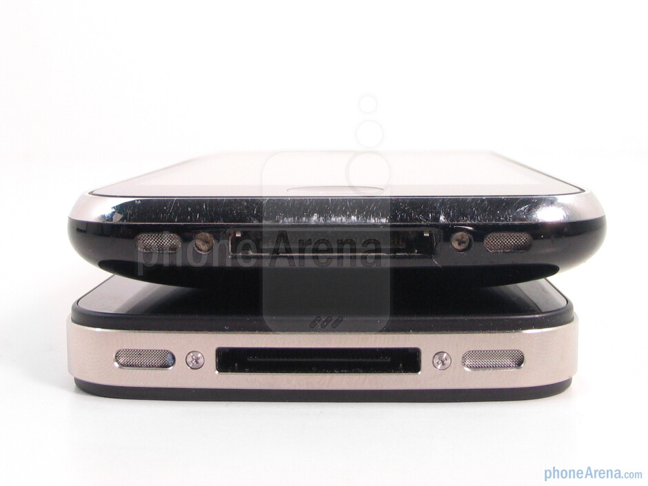 Apple iPhone 4 (right, down) and the Apple iPhone 3GS (left, up) - Apple iPhone 4 Review