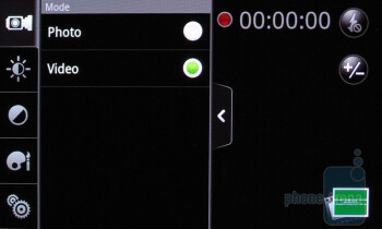 Camera interface of the HTC Droid Incredible - Apple iPhone 4 vs. HTC Droid Incredible