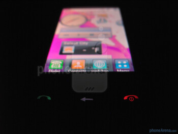 "The 3"" touchscreen has a resolution of 240 x 400 pixels - LG Sentio Review"