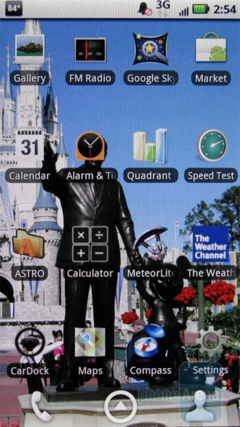 Both devices have 7 home screens - Motorola DROID X vs. HTC Droid Incredible