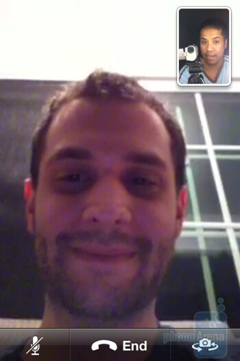 The video chat on iPhone 4 - Samsung Captivate vs. Apple iPhone 4