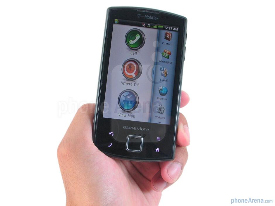 Garmin-Asus Garminfone is comfortable to hold - Garmin-Asus Garminfone Review