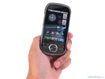 Motorola i1 is a decent looking handset - Motorola i1 Review