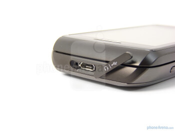 The sides of the LG Vu Plus - LG Vu Plus Review