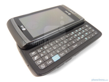 The 4-row landscape style QWERTY keyboard of the LG Vu Plus - LG Vu Plus Review
