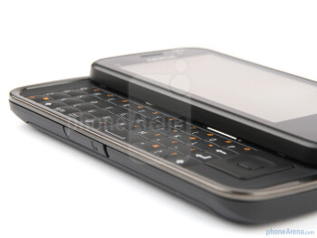 The physical keyboard of the Nokia C6 - Nokia C6 Review