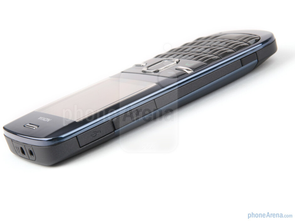 Left - Nokia C3 Review