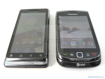 The display panels of Motorola DROID 2 (left) and BlackBerry Torch 9800 (right) - Motorola DROID 2 vs RIM BlackBerry Torch 9800