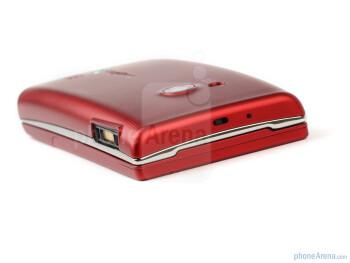 The sides of the Sony Ericsson Hazel - Sony Ericsson Hazel Review