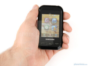 The Samsung Champ is tiny - Samsung Champ Review