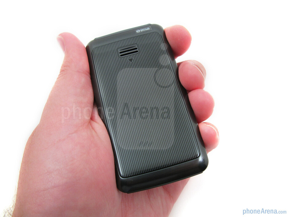 The Samsung Haven feels comfortable in the hand - Samsung Haven Review