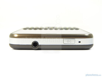 The sides of Motorola CHARM - Motorola CHARM Review