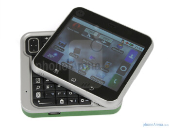 The sides of the Motorola FLIPOUT - Motorola FLIPOUT Review