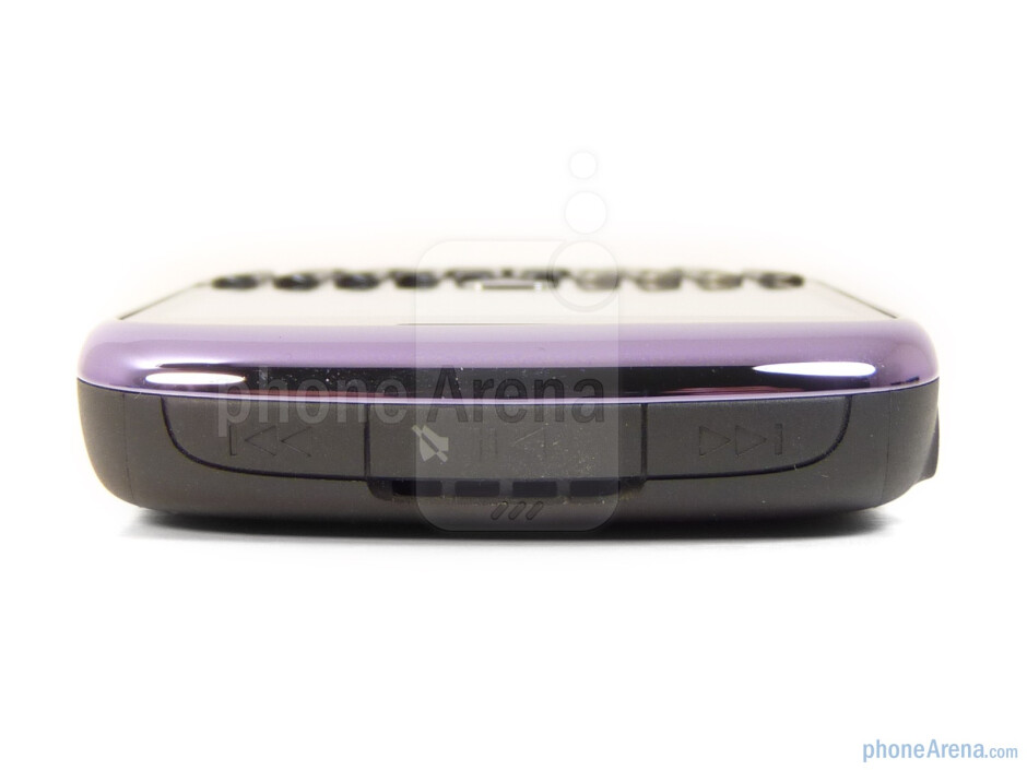 The sides of RIM BlackBerry Curve 3G - RIM BlackBerry Curve 3G for T-Mobile Review