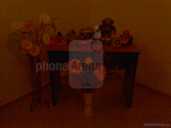 Low light - Indoor samples - Sony Ericsson Spiro Review