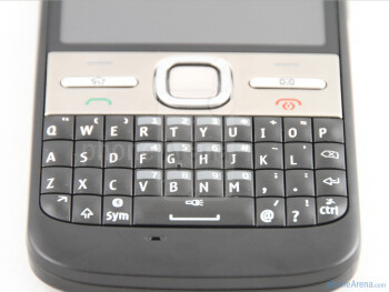 The QWERTY keyboard of the Nokia E5 - Nokia E5 Review