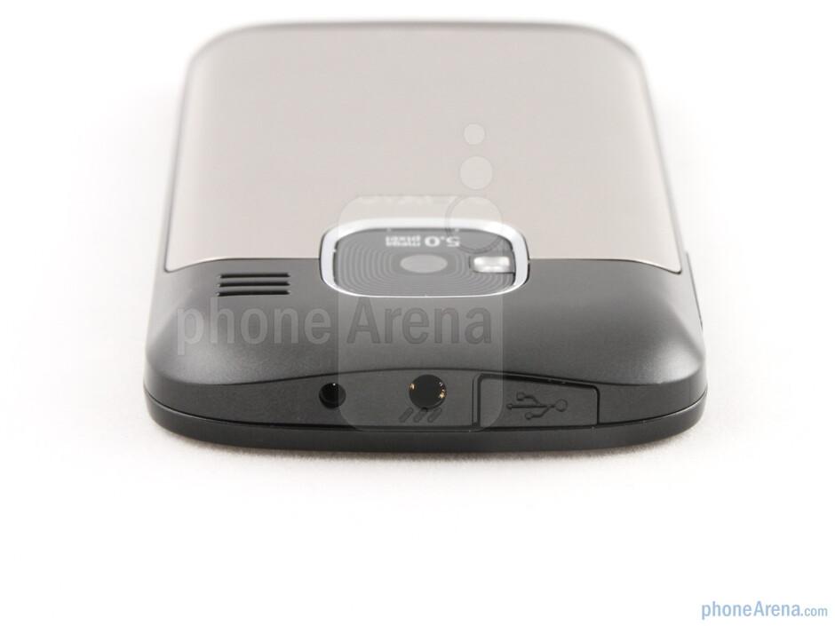 The sides of the Nokia E5 - Nokia E5 Review