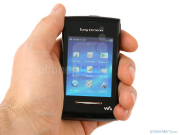 The Sony Ericsson Yendo feels fine in the hand - Sony Ericsson Yendo Preview