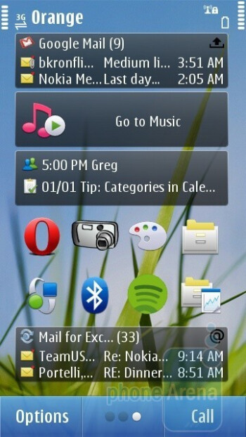 Home screen - Nokia N8 Review