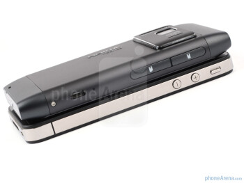 Nokia N8 vs Apple iPhone 4