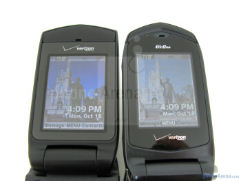 The Casio G'zOne Ravine (left and bellow) next to the Casio G'zOne Rock (right and above) - Casio G'zOne Ravine Review