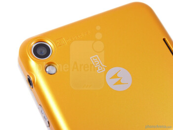 The Motorola FLIPOUT has 3.1-megapixel camera - Motorola FLIPOUT for AT&T Review