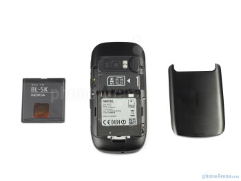 The back of the Nokia C7 - Nokia C7 Review