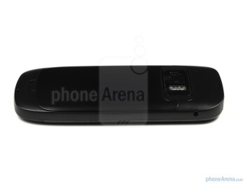 The sides of the Nokia C7 - Nokia C7 Review