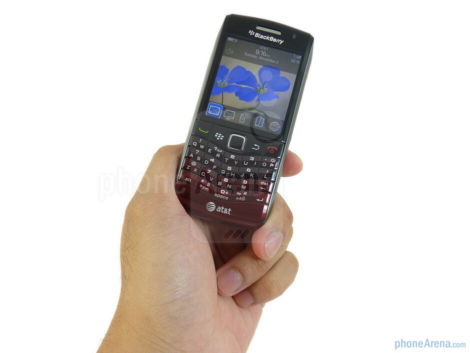 The design of the RIM BlackBerry Pearl 3G is nothing out of the ordinary since it borrows heavily from previous handsets - RIM BlackBerry Pearl 3G Review