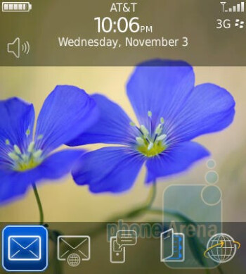 The homescreen and the menu of the RIM BlackBerry Pearl 3G - RIM BlackBerry Pearl 3G Review