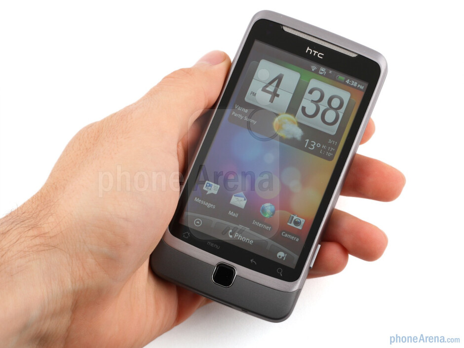 The HTC Desire Z is thin enough for a slide-out QWERTY handset, but the heft is considerable - HTC Desire Z Review