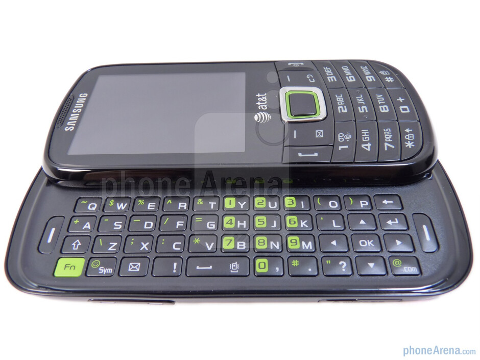 The Samsung Evergreen has a 4-row QWERTY keyboard - Samsung Evergreen Review