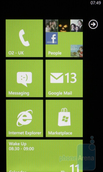 The start menu of the HTC HD7 - HTC HD7 vs Apple iPhone 4