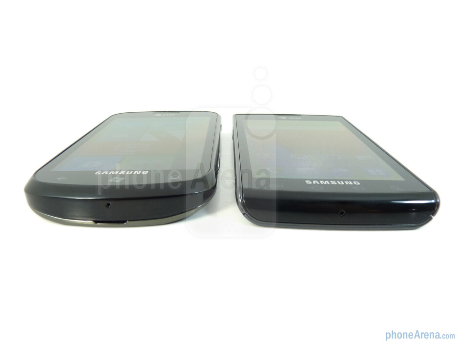 The display quality of the Samsung Focus (left) and the Samsung Captivate (right) is almost the same - Samsung Focus vs Samsung Captivate
