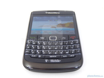 The RIM BlackBerry Bold 9780 employs the same identical keyboard from its predecessor - RIM BlackBerry Bold 9780 Review