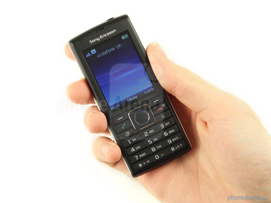 The Sony Ericsson Cedar is an entry level phone - Sony Ericsson Cedar Review