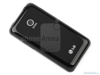 The streamlined design of the LG Optimus Chic is indeed a looker - LG Optimus Chic Review
