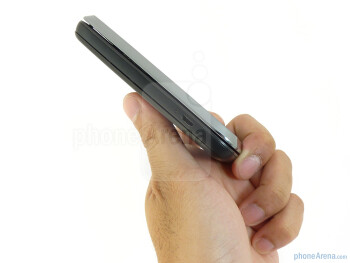 The Motorola FLIPSIDE has a side sliding form factor - Motorola FLIPSIDE Review