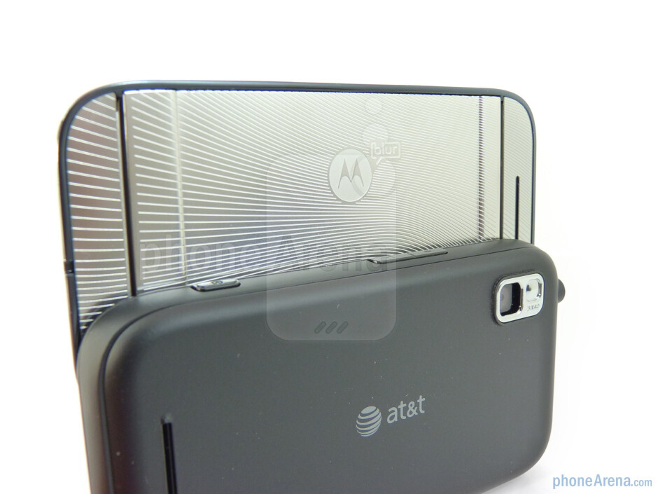 On the rear is the 3-megapixel camera - Motorola FLIPSIDE Review