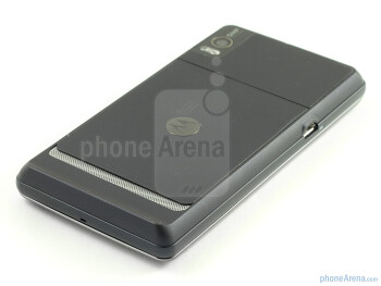 On the back is the 5MP camera - Motorola MILESTONE 2 Review
