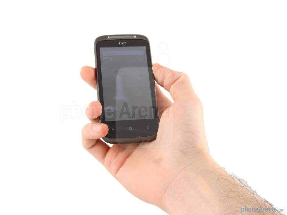 The HTC 7 Mozart has an ergonomic curvature that makes holding it a pleasure - HTC 7 Mozart Review