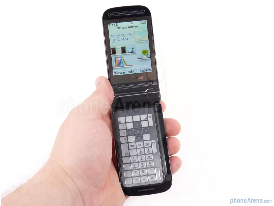 The Samsung Zeal has unique dual flip design - Samsung Zeal Review