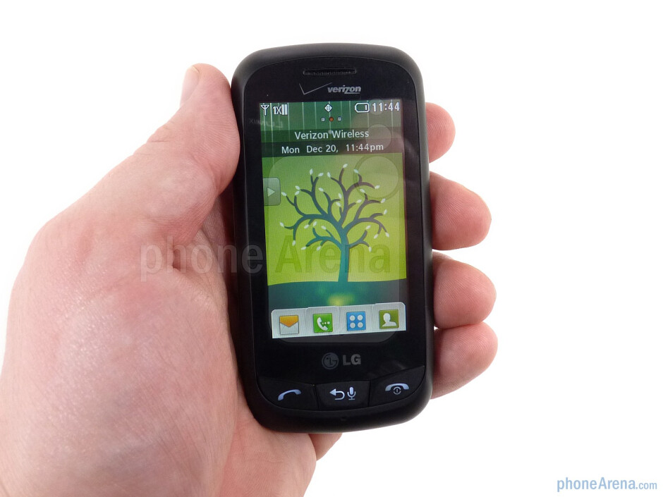 The LG Cosmos Touch feels good in the hand - LG Cosmos Touch Review