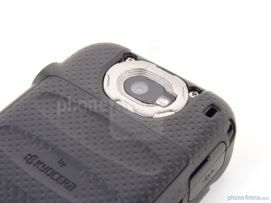 The phone has 2MP camera - Sanyo Taho Review