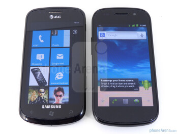 Viewing angles of the Samsung Focus (L) and the Google Nexus S (R) - Google Nexus S vs Samsung Focus