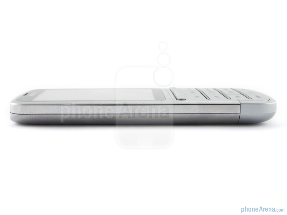 The sides of the Nokia C3 Touch and Type - Nokia C3 Touch and Type Review