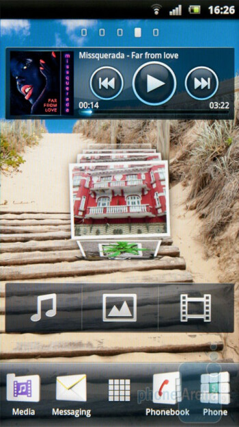 The UX interface of the Sony Ericsson Xperia arc - Sony Ericsson Xperia arc Preview