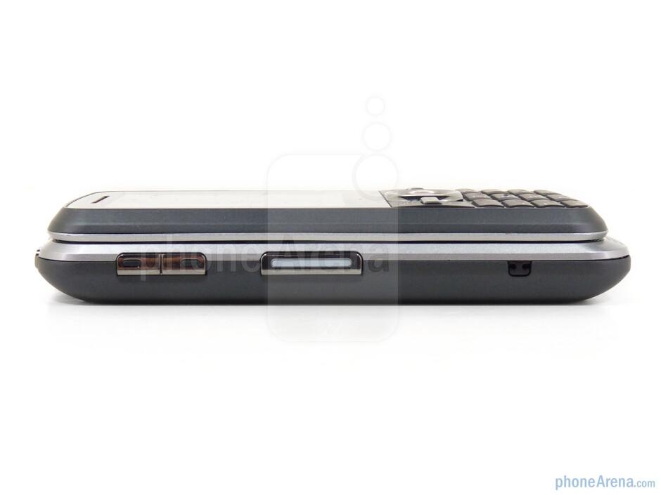 Left side - Motorola i886 Review